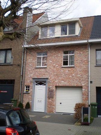 Dakkapellen zijn zeker interssant voor kleinere (rij)woningen waar je snel een tekort aan ruimte hebt. Met een dakkapel vergroot je meteen dee beschikbare ruimte.
