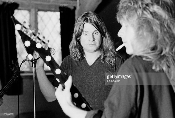 Ozzy Osbourne records the 'Blizzard of Ozz' album with guitarist Randy Rhoads (1956-1982) at Ridge Farm Studio in West Sussex, England in May 1980.