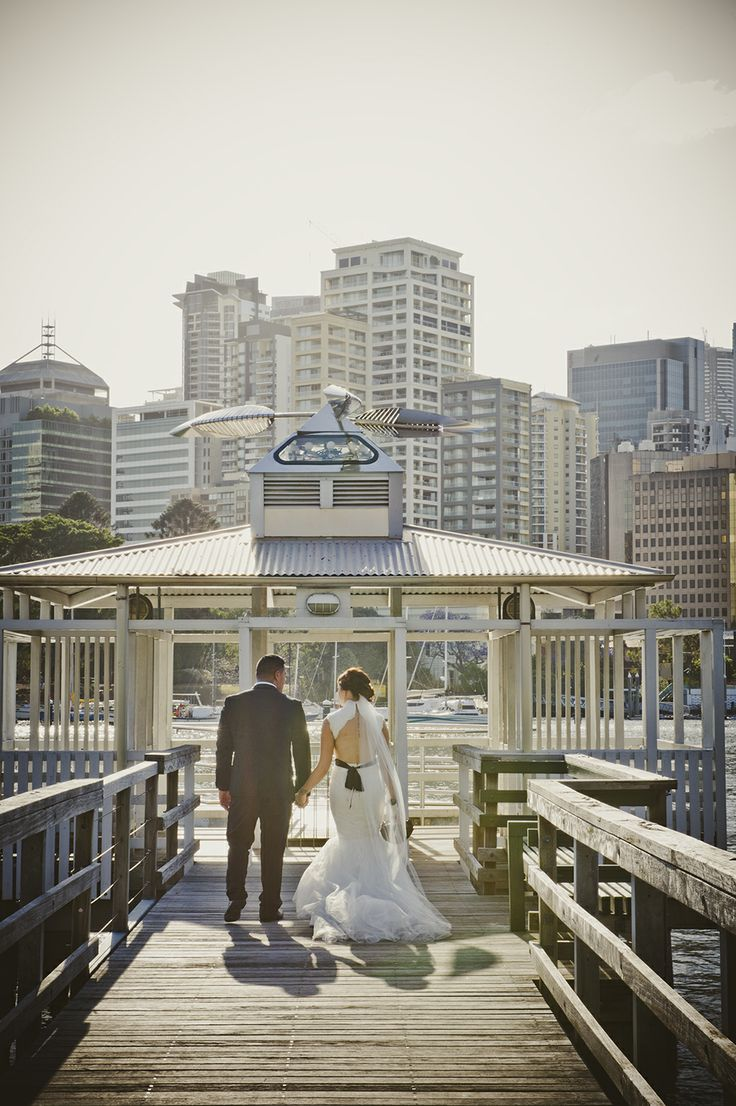 Kangaroo Point Boardwalk - Brisbane   Wedding Photography - Samantha Rowe Photography