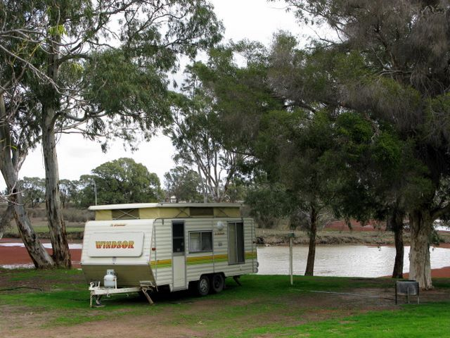 This Camping Site in Kerang is also renowned as a Riverside Holiday Park Kerang with Kerang Powered Sites at a reasonable rate.