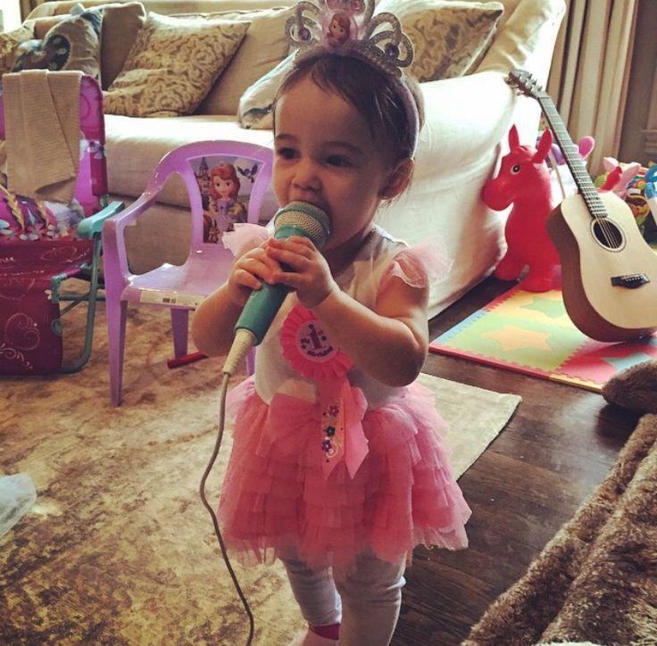 Jessie James Decker baby girl Vivi turns 1