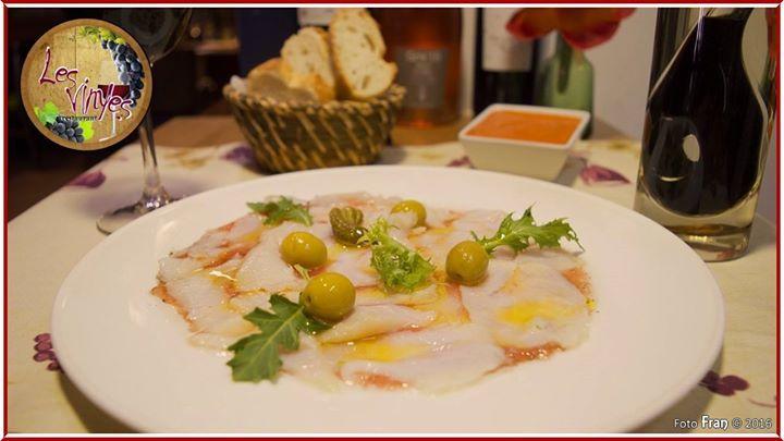 Carpaccio de bacalao con tomate confitado y aceitunas Exquisito!