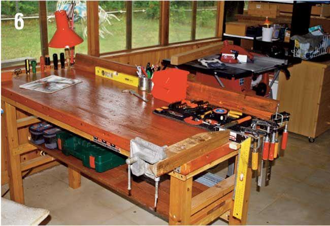 Grazie a questa guida potremo costruire un banco da lavoro fai da te senza effettuare incastri nel legno, ma solo una spinatura per il tavolo.