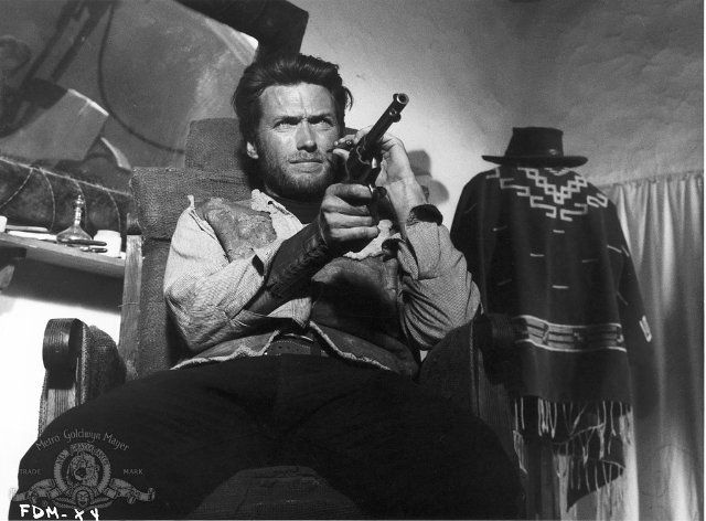 Still of Clint Eastwood in For a Few Dollars More