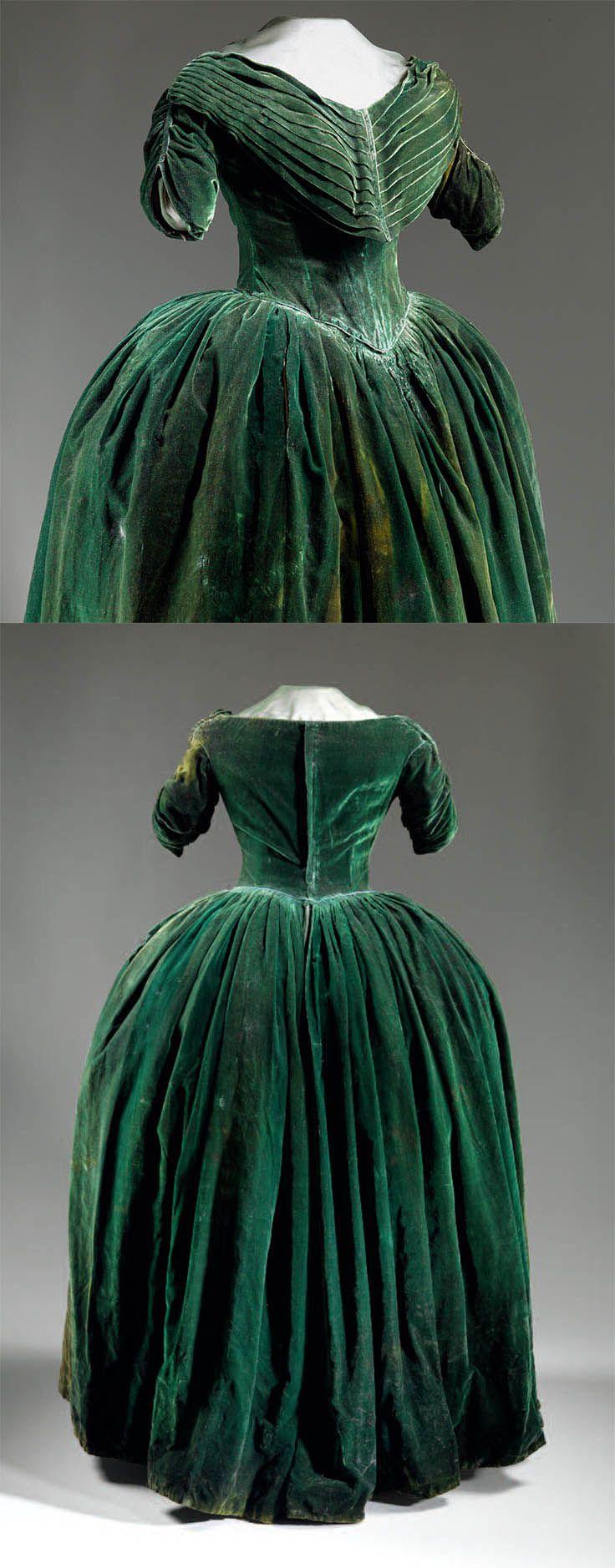 Dark green velvet dinner gown, 1845-1849, worn by Sarah Polk