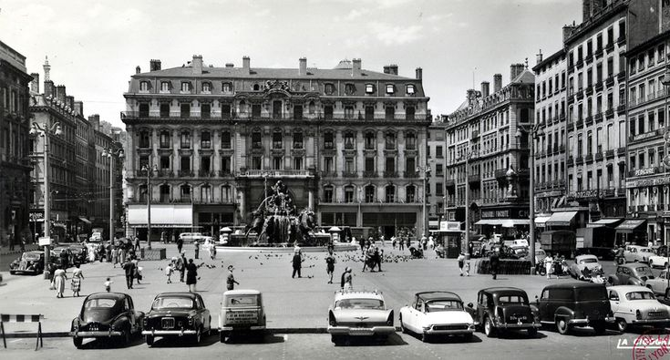 place des terreaux lyon 1950 lyon avant pinterest lieux. Black Bedroom Furniture Sets. Home Design Ideas