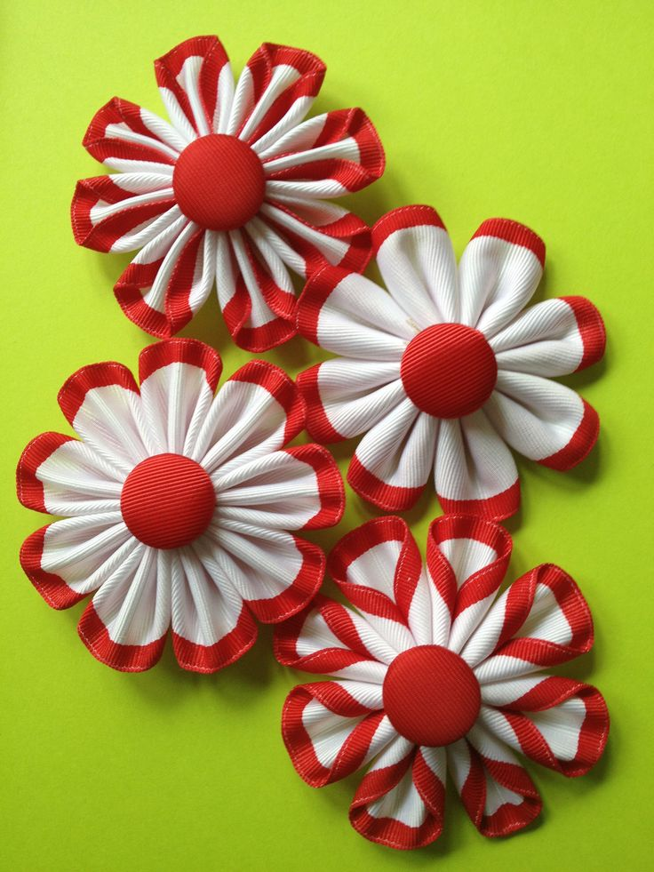 One ribbon, 4 styles of flowers.