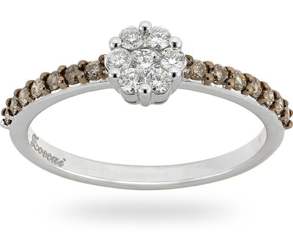 Anello in oro bianco/nero 18 kt. con 0.23 ct. di diamante brown e 0.18 ct. di diamante.