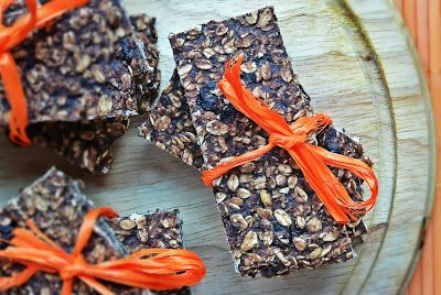 Oatmeal bars with cocoa, poppy seeds and cranberries