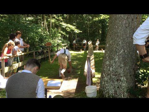 Waldfest in Fischen im Allgäu. Das Waldfest in Fischen im Oberallgäu findet zweimal im Jahr statt. Das Programm bietet Schuhplattler, Alphornbläser, Jodler und vieles mehr.