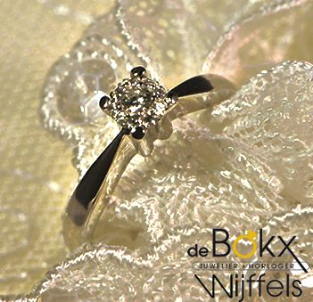 verloving ringen |Juwelier de Bokx Wijffels Briljant shape New €1025 Het uiterlijk van 0.50ct diamant met werkelijke 0.17ct diamant Wit gouden ring #verlovingsringen #aanzoekringen #goudenringen #goud #diamant #juwelier #debokxwijffels