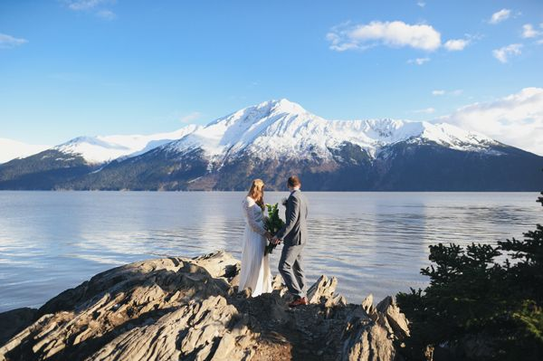 A breathtaking real elopement to Bird Point #Alaska by @ericarose