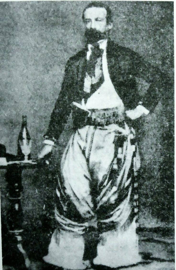 Pedro León Gallo, vestido de gaucho en Argentina.
