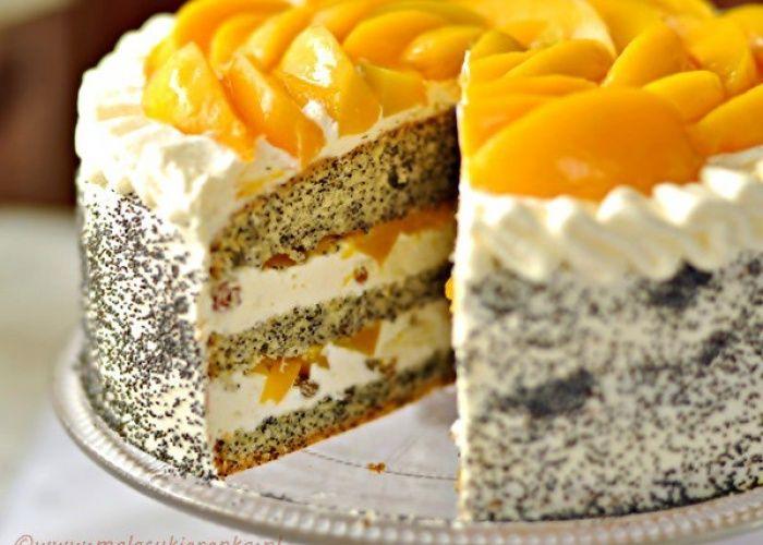 Маковый торт с персиками