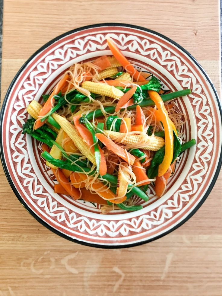 Vegetable Stir Fry! A healthy but filling option for dinner that can be easily adapted!!