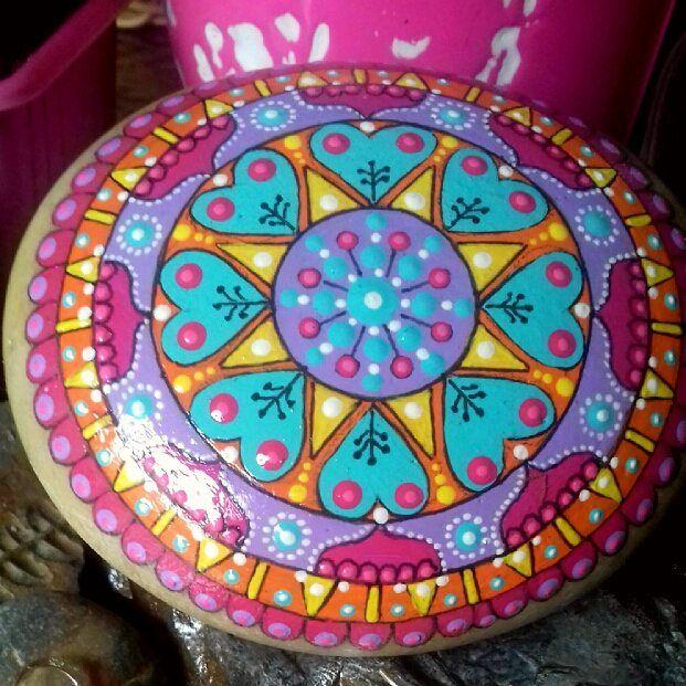 """119 Likes, 2 Comments - Piedras Soñadas (@piedras_sonadas) on Instagram: """"Soñar y pintar #piedraspintadas #piedrassoñadas #mandala #mandalastones #artesanía"""""""