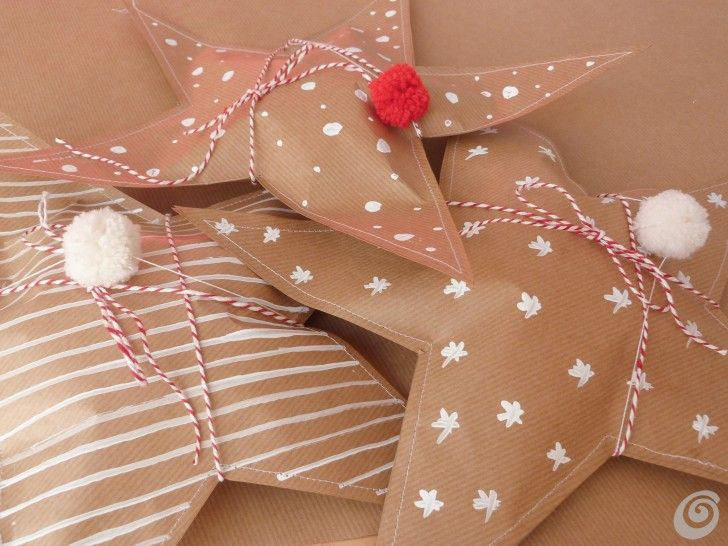 Idee fai da te :: Regali di natale: le stelle di carta