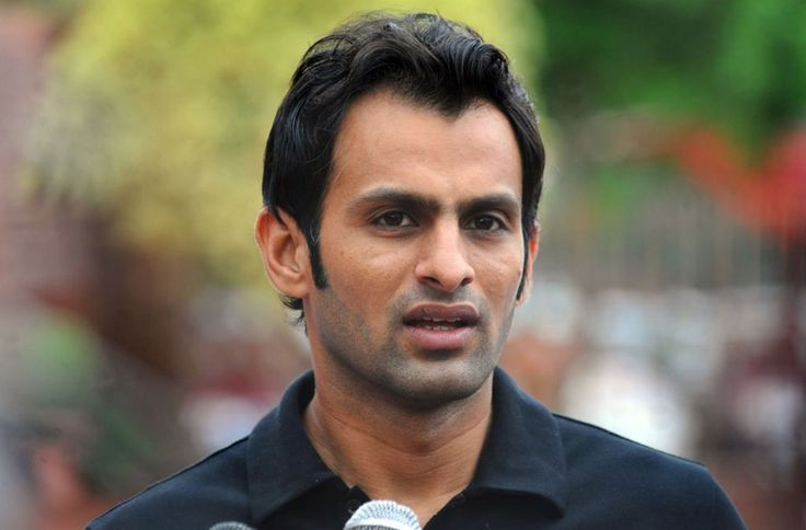Pakistani all-rounder Shoaib Malik decided to retire Test cricket