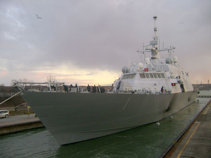 USS FREEDOM(LCS 1) is in lock 3 in St. Catharines. She's heading downbound in the Welland. Her final destination is San Diego, California.