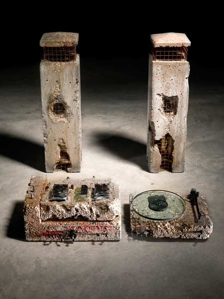 Concrete Stereo, 1983 - Ron Arad (Photograph by Erik and Petra Hesmerg)