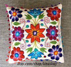 Картинки по запросу flores bordados en lana