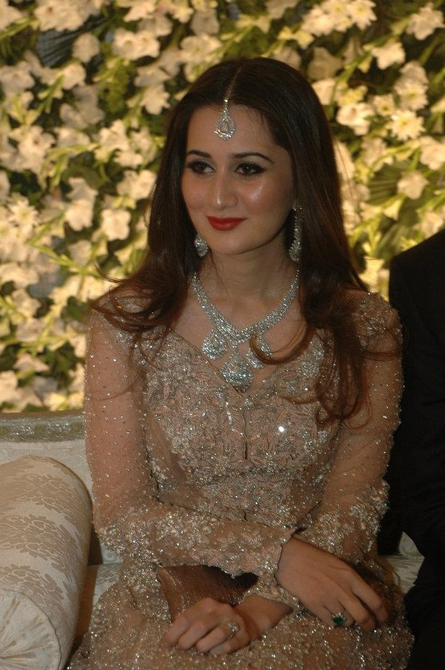 sana khan Desi wedding dresses, Wedding dress outfit