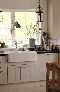 Love This Especially The Apron Sink I Need Property Brothers