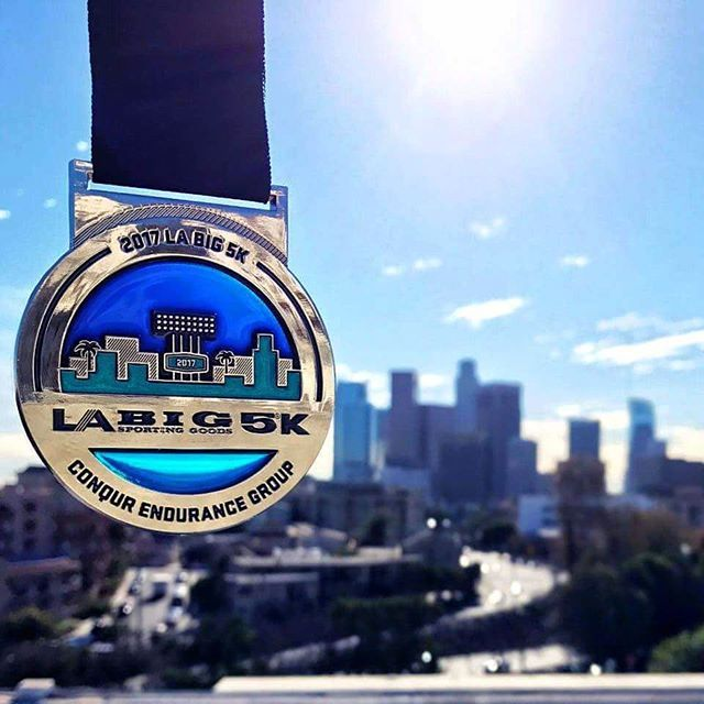 Instagram media by sarahjeannesays - This is your last chance to register for the #labig5k at @dodgers #stadium on Saturday, March 18th! Be a part of #marathon week and earn this incredible, sun catching medal.  Use code SOSCBIG5 for an exclusive 10% discount. Better hurry, limited entries remain! Register today at labig5k.com #werunthecity5k