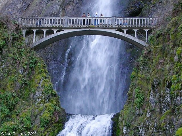 A magnificent and memorable waterfall is located just a 30- minute drive outside of Portland, Oregon. Visiting Multnomah Falls, a 611-foot-tall roaring, awe-inspiring cascade of icy water, lets you experience the power and beauty of nature up close and with ease.