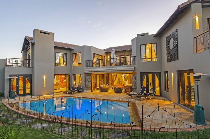 5 bedroom House for sale in Roodepoort