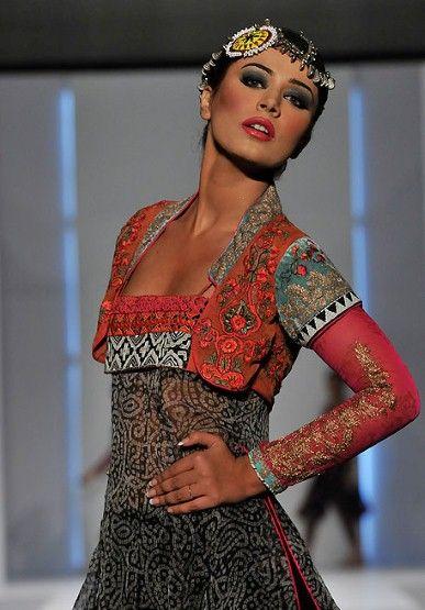pakistan fashion week 2011: fun look