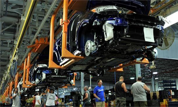 REDES SOCIALES FORD te dice. Cien años después Ford puede enorgullecerse de su currículum.  Hoy, sin embargo, anda liada en otras cuestiones: en impresión en 3D para moldear piezas y tecnologías de estampación flexible;