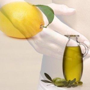 Citron, remède contre la Constipation    -     ron jaune et l'huile d'olive  Dans un verre, mélangez le jus d'un citron avec une cuillère à soupe d'huile d'olive et une pincée de sel. Mélangez et buvez ce mélange le matin, à jeun. Vous pouvez aussi avaler 2 fois par jour, une cuillère à café d'huile d'olive jusqu'à disparition des symptômes.