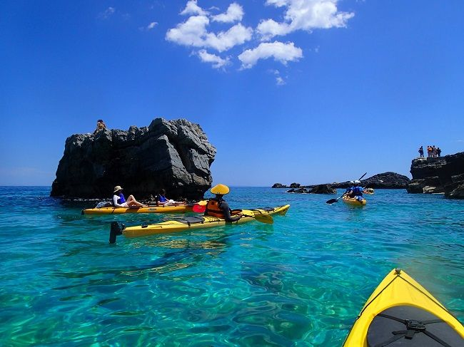 http://alternagreece.com/cannibals-kayak-house-athensthessaloniki/ All you need to dive into your next sea kayaking and outdoors experience in Greece is right here. #seakayak #adventure #seakayakgreece