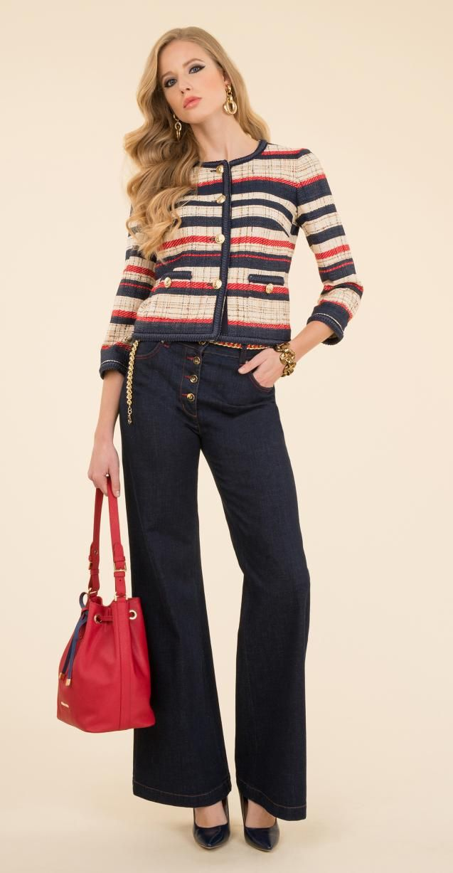 Bouclé jacket, stretch denim trousers with 5-pockets, palazzo cut and button design, Igor bag.
