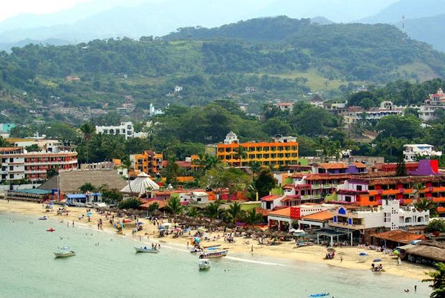 Rincon de Guayabitos beach