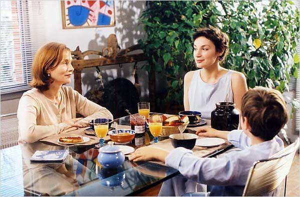 Comédie de l'innocence  Raoul Ruiz (2001) photo: Isabelle Huppert, Jeanne Balibar, Nils Hugon,