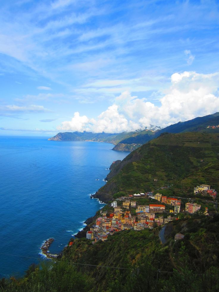 View along the coast of the Cinque Terre