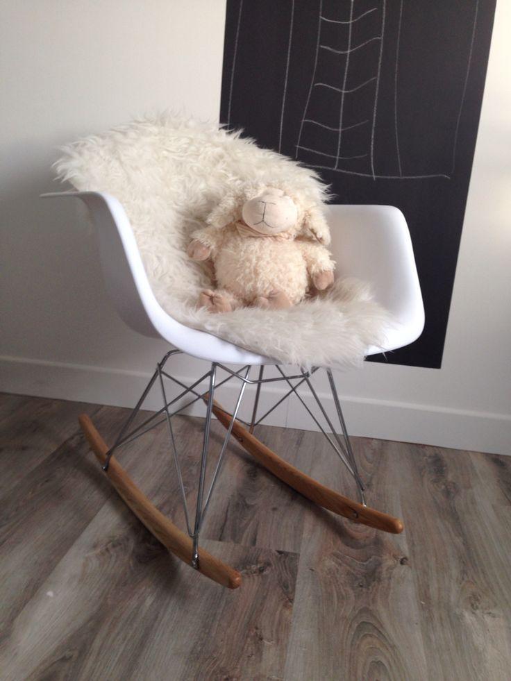 Chaise Eames à bascule  Modèle RAR Rocking chair
