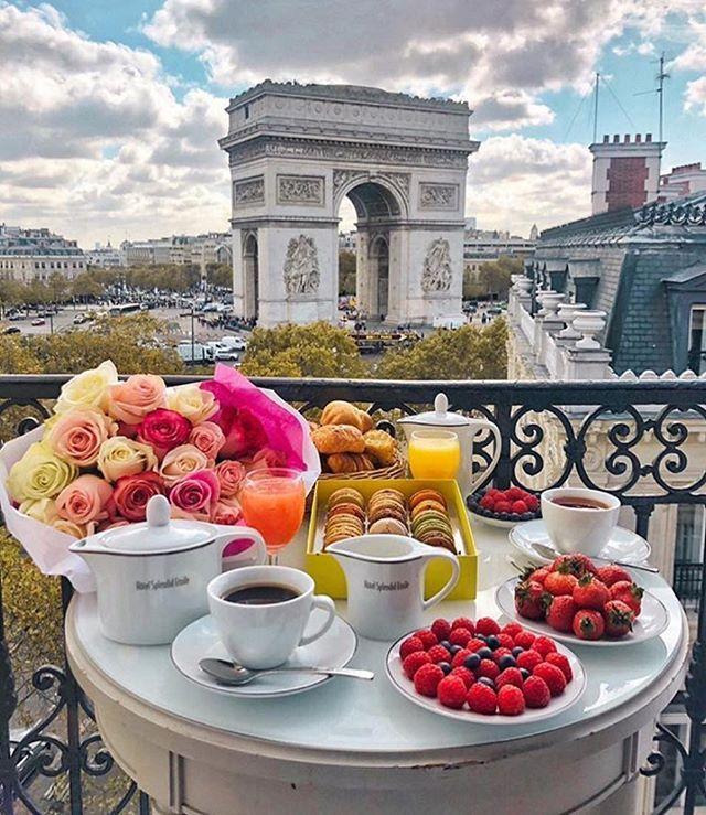 Bom diaaaaa  Que tal um café da manhã com essa vista????  Vamos???? . #homeDec…