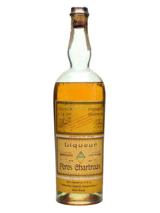 Chartreuse Yellow Liqueur / Tarragona / Bot.1950s 75cl / 43% An old release of Chartreuse Liqueur, this was produced during the 1950s in Tar...