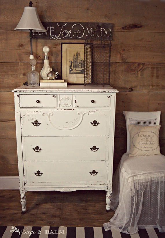 Antique White Shabby Chic Chippy Painted Dresser White Shabbychicdresserswhite Shabby Chic Dresser Shabby Chic Furniture Shabby Chic Decor