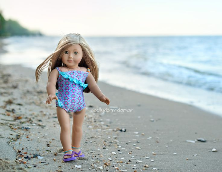 What a great photo of Isabelle at the beach. I hope someday to be able to take a photograph this well.