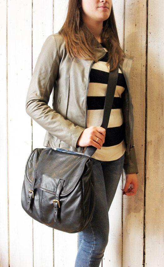 """Handmade Italian black Leather Messenger Bag """"MESSANGER multi tasc"""" di…"""