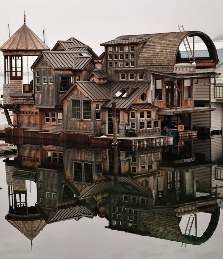 Jaw dropping....House on the water in Bayview, Idaho ~ Photo by...Katrina…