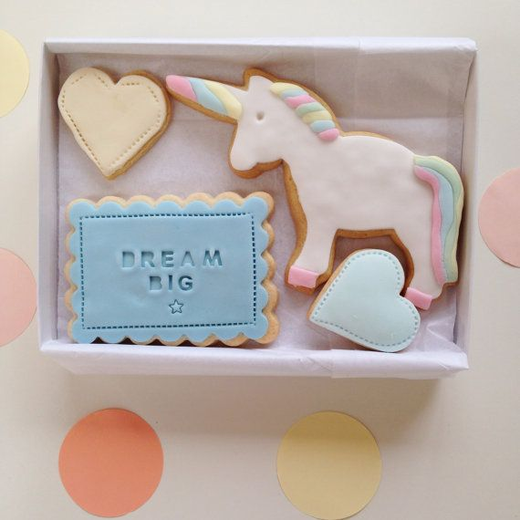 Best Friends Birthday gift, perfect for your best mate or BFF  Unicorn birthday gift for your best mate, BFF or best friend.  A box gift of cookies - via Nila Holden on Etsy