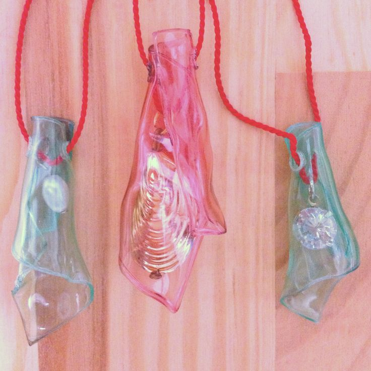 recycling a recycled plastic project -- pet bottle, scrap bits of old jewelry and silk thread. #handmade #craft #jewelery #recycle