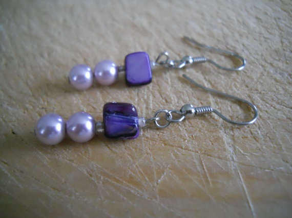#earrings #beaded #beads #purple #shell #seashell #earring #earringsforwomen #pearl #silver #silverplum #jewellry #jewelry #lilac #lavender #shellearrings #shells #shell #beading #beadedjewelry #beadedearrings #hypoallergenic #handmade #handcrafted #fashion #fashionstyle #womensfashion #MadeintheUSA by chicagolandia, $13.00