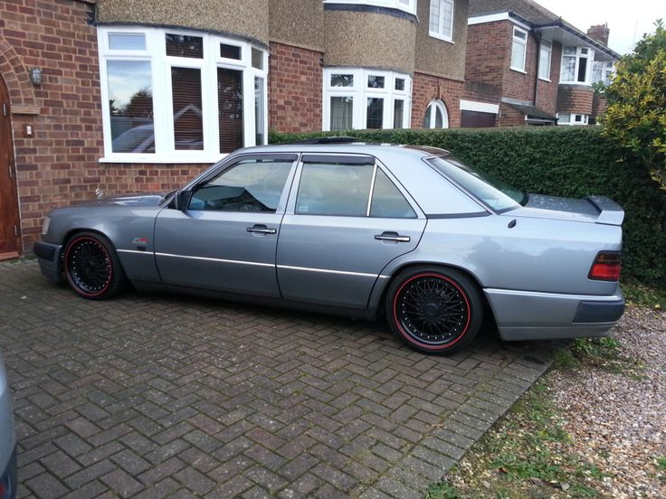 1990 Mercedes e300 dropped on 18s | Retro Rides