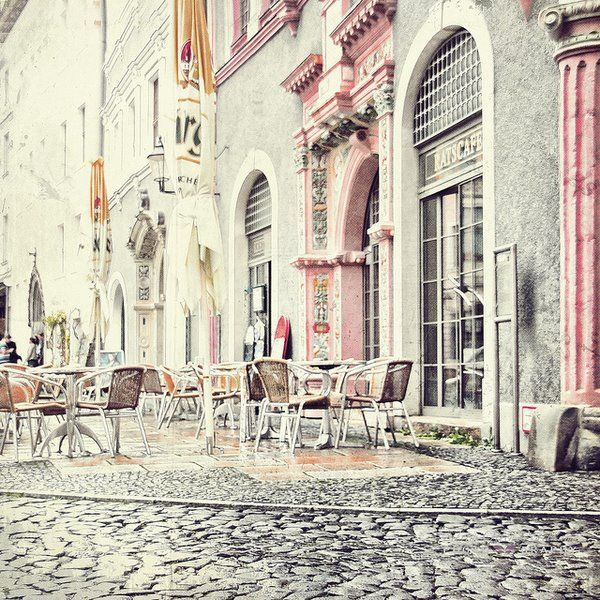 Pastel cafes in Paris (inspiration via YELTUOR)